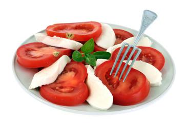 Assiette de tomate mozzarella et basilic
