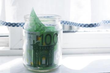Деньги в банке. Евро