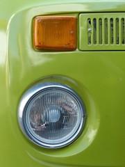 Hellgrünes Wohnmobil der Siebziger Jahre in Krofdorf-Gleiberg