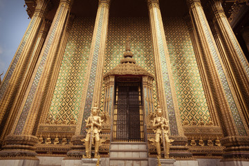 Phra Mondop Gates