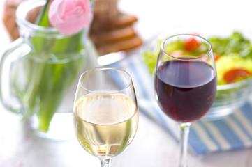ワイン 白ワイン 赤ワイン テーブル ランチ