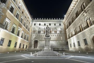 Piazza Salimbeni , Siena, Tuscany, Italy.