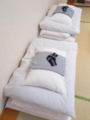 旅館の布団と浴衣