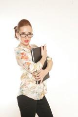 Geschäftsfrau mit Laptop und Brille