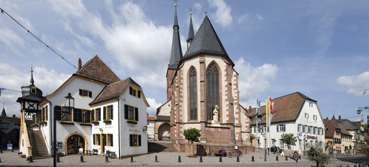 Markplatz Deidesheim Kirche Rathaus