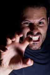 Aggressiver Mann