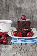 Chocolate brownies with fresh berry