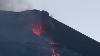 Erupting volcano (Etna 02/08/14)