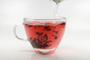 Hibiskus-Tee-Aufguss