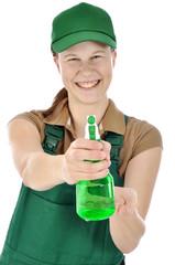 Gärtner mit Sprühflasche