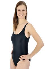 Frau in schwarzem Badeanzug