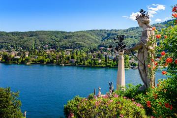 Isolabella Islad Maggiore Lake