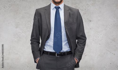 buisnessman in suit - 68383098