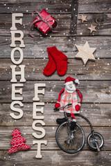 Weihnachtskarte Landhausstil mit Weihnachtsmann in Rot und Text
