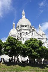 [PARIS]快晴青空と緑のパリモンマルトルの丘、サクレ・クール寺院[Basilique du Sacré-Cœur]276