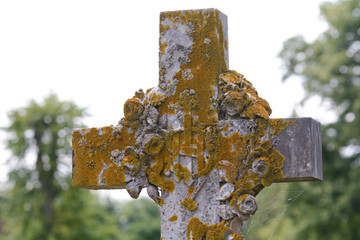 Gravestone cross