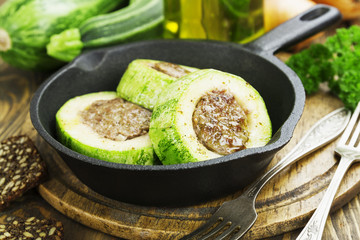 Zucchini with meat