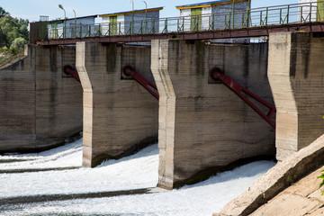 Плотина на реке Алатырь.