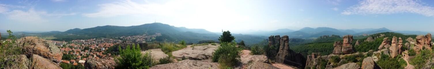 Bergpanorama mit Sonnenschein 360°