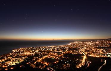Vue aérienne de Saint-Denis à l'aube, La Réunion.