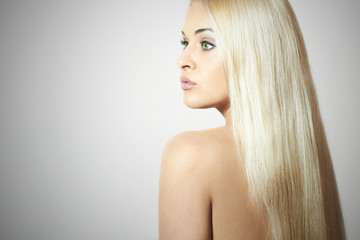 Beautiful Woman. Beauty Sexy Blond Girl. Healthy hair