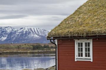Rotes Holzhaus an der Atlantikstraße
