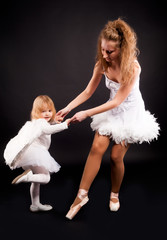 Two pretty ballerina's
