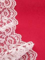Fondo rojo con cinta de encaje