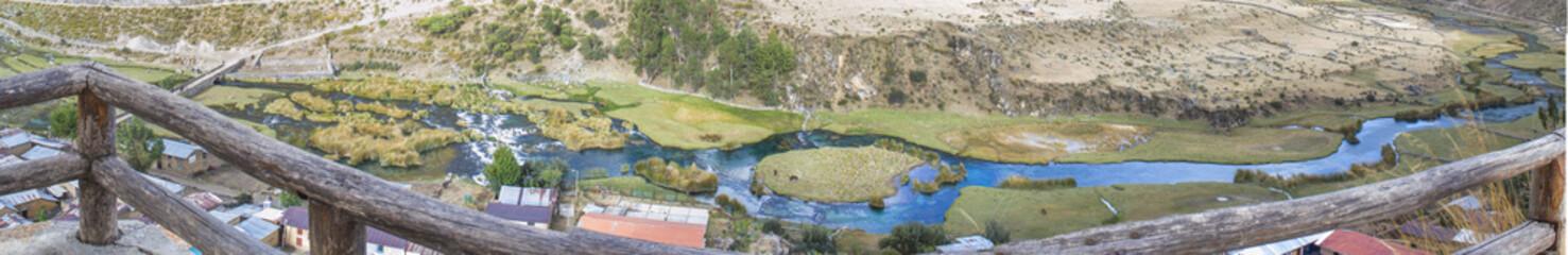 Río aguamarina Cañete en Vilca