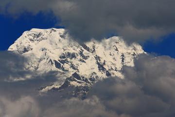 Mounts Annapurna South (L)-Hiun Chuli (R). Dhampus-Nepal. 0549
