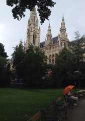 unter einem Regenschirm un Wien
