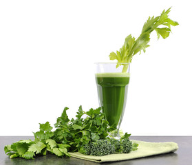 Freshly juiced green vegetable juice