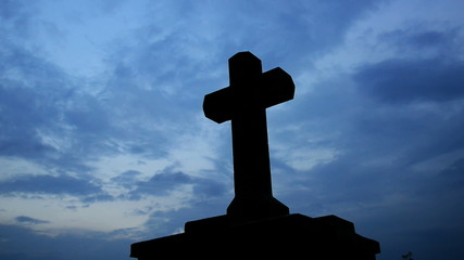 cross with sky,panning,timelapse