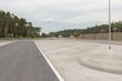 Leinwanddruck Bild - Freie Parkplätze an der Autobahn