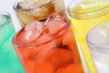 Limonade Getränk in Gläsern