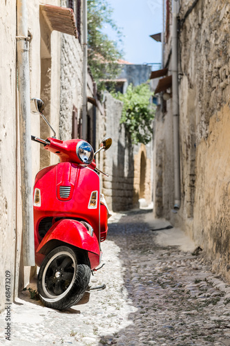 Classic red scooter - 68473209