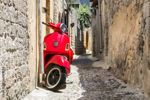 Classic red scooter © AlexanderNikiforov