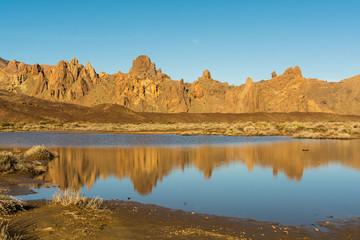 Wasser in der Ucanca-Ebene um Vulkan Teide auf Teneriffa