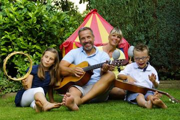 Familie macht Musik