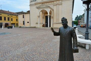 Brescello église, place mattéotti en italie