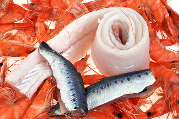 Crevettes, sardines et filet de sabre