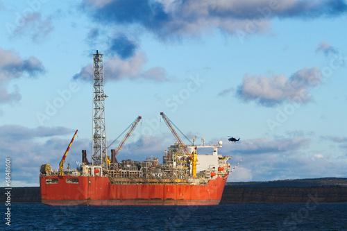 FPSO oil production vessel - 68481601