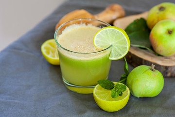 healthy organic green detox juice
