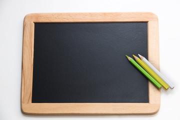 Tafel mit Stiften zum beschriften