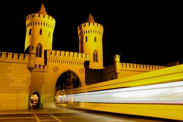 Nauener Tor Potsdam bei Nacht