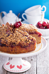 Cherry crumble coffee cake with cinnamon