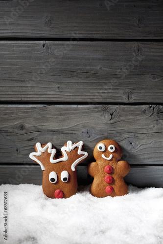 canvas print picture Lebkuchenfiguren auf Schnee