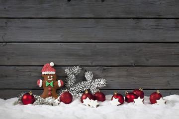 Lebkuchen Bärchen mit Zipfelmütze im Schnee