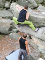 Beim Bouldern