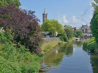 Roermond mit Rur und Kathedrale Sankt Christophorus